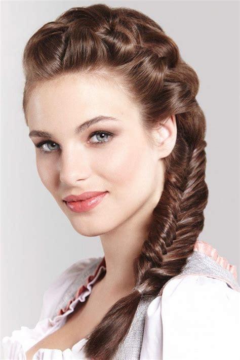 wiesn frisuren lange haare o zopft is 3 zauberhafte wiesn frisuren zum nachstylen haarstyles oktoberfest frisur