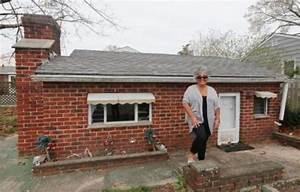 ce couple a achete une maison et sur leur terrain se With a quoi faire attention quand on achete une maison