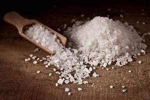 Types of Salt Used to Make Homemade Bath Salts