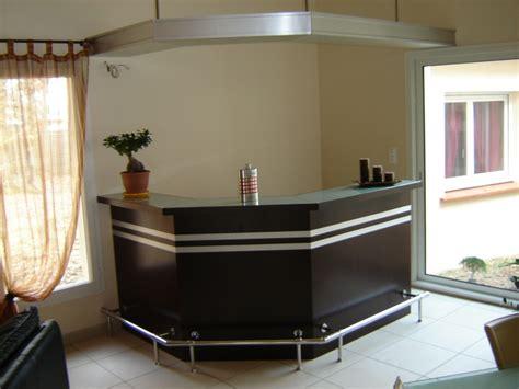 fabriquer un comptoir de cuisine en bois fabriquer un comptoir de bar en bois faire mieux pour