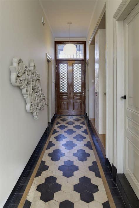 floor tile designs   foyer