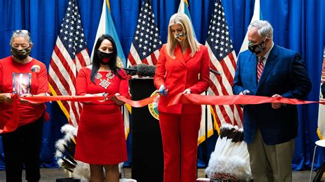 office trump ivanka cold case missing praise opening mn duluth wisconsin indian bloomington tribe president grand draws investigatory mmip visits