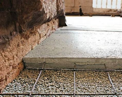 Insulation and drainage in contact with the ground