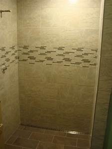 Shower With Freestyle Linear Drain
