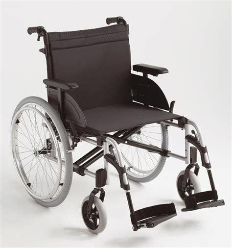 en fauteuil roulant en fauteuil roulant 28 images fauteuil roulant 224 largeur d assise r 233 glable acier en