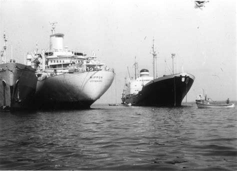 """Ein riesiges containerschiff ist im suezkanal auf grund gelaufen und blockiert den verkehr in beide richtungen auf einer der. Eine unglaubliche Geschichte: Hapag-Frachter """"Münsterland ..."""