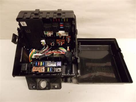 Picture Of Nissan Armada Fuse Box by 10 12 Nissan Frontier 4 0l V6 Mpi Relay Fuse