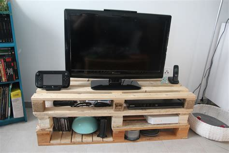 fabriquer meuble tele avec palettes tutoriel diy meuble tv en palettes sous notre toit
