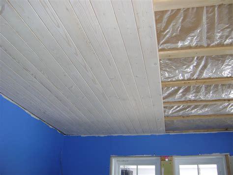 plafond de chambre charmant revetement plafond chambre avec impressionnant