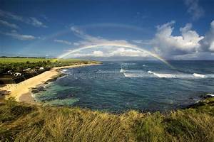 Rainbow Over Ho'okipa Beach Park, North Shore Of Maui ...