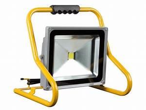 Projecteur De Chantier : projecteur de chantier portable a led 50w epistar chip ~ Edinachiropracticcenter.com Idées de Décoration