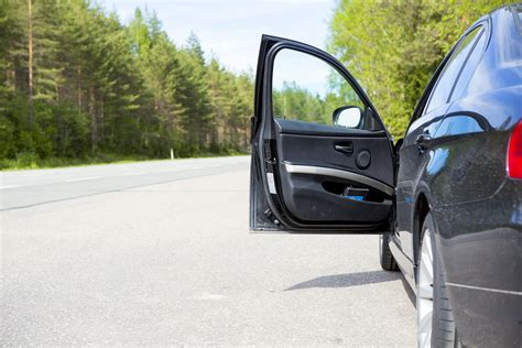 how to open a car door opening your car door using the reach could save