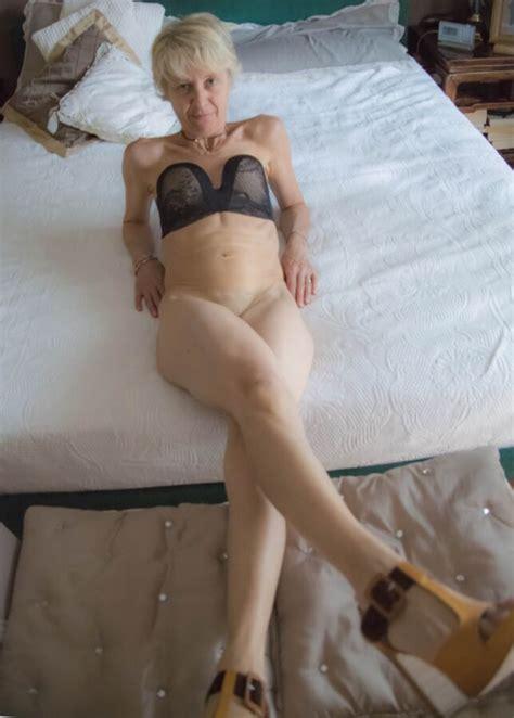 Laura Mature Italian Sexy Granny Mature Porn Photo