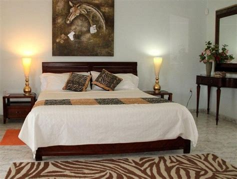 Safari Inspired Living Room Decorating Ideas by 25 Best Ideas About African Bedroom On Pinterest