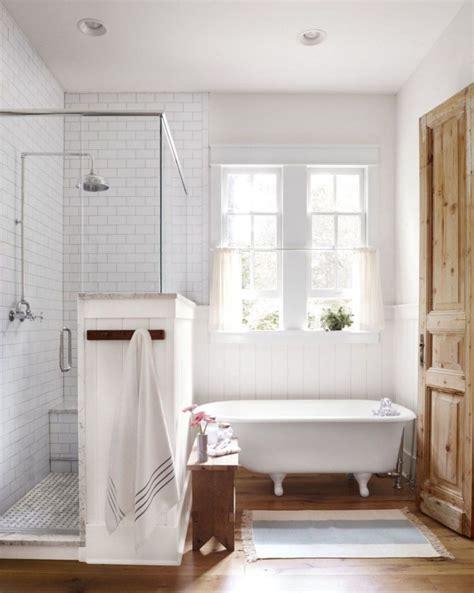 Modern Bathroom Remodel Ideas by 49 Modern Farmhouse Bathroom Remodel Ideas Decoratrend
