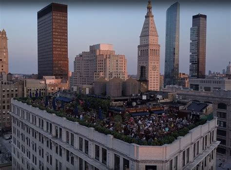 Bar Nyc by Venue Rooftop Bar Nyc New York S Largest Indoor And