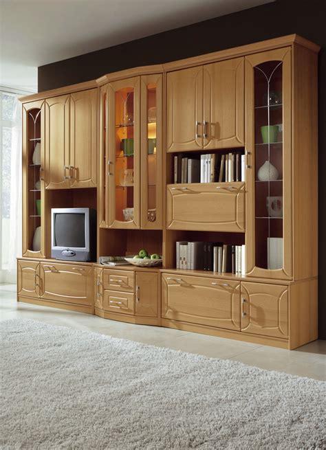 Schrankwand Wohnzimmer Klassisch by Klassische Wohnwand Mit Front In Buchedekor Klassische