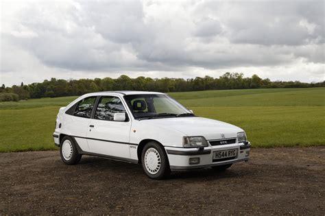 Vauxhall Astra GTE - Cult Classics