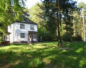 Kleines Haus Mit Garten Kaufen : kleine villa am see kurzinfo ~ Frokenaadalensverden.com Haus und Dekorationen