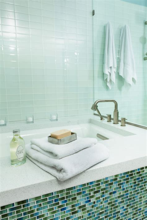 Replacement Bathroom Tiles by Bathtub Replacement Ideas Lovetoknow