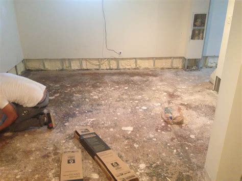 flooding repair hardwood floor sheetrock trim