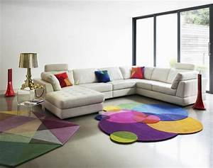 tapis de salon moderne 42 idees qui vont vous charmer With tapis salon coloré