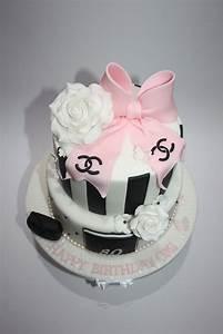Chanel Torte Bestellen : torte chanel foto hausrezepte von beliebten kuchen ~ Frokenaadalensverden.com Haus und Dekorationen