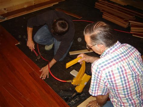 How to Install Hardwood Flooring   how tos   DIY