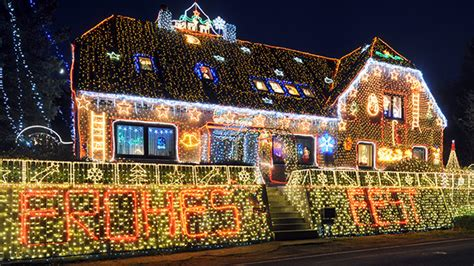neighborhoods with the best holiday lights in chicago