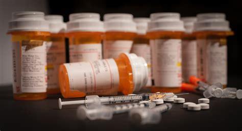 opioids  women  prescription  addiction nwhn