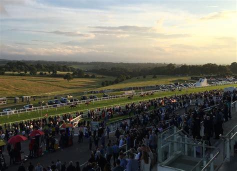 Epsom Downs Racecourse - Wikipedia