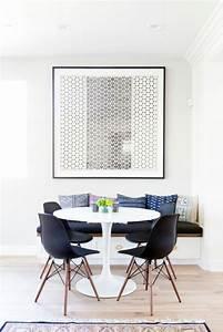 La plus originale table de cuisine ronde en 56 photos for Deco cuisine avec chaise blanche et noir