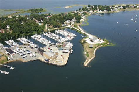Freedom Boat Club Rhode Island Reviews by Seaconnet Sportsman S Club In Portsmouth Ri United