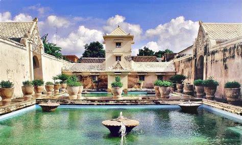 spot foto eksotis  bangunan bersejarah taman sari