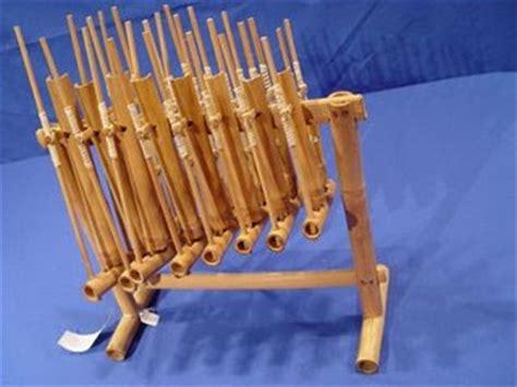 not pileuleuyan tradisional indonesia kebudayaan tradisional pakaian tradisional alat musik tradisional alat