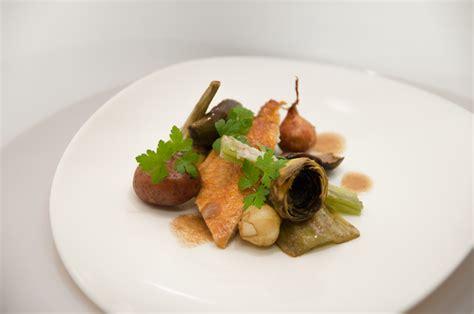 cuisiner cardes poulet autour des cardes bagna cauda le verre et l assiette