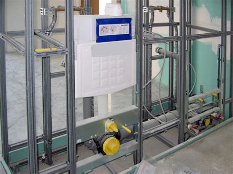 Vorwandinstallation Im Wc Selbst Einbauen by Installationsw 228 Nde Altbau Innenausbau Baunetz Wissen