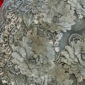 Stoffe Auf Rechnung Kaufen : ausgefallene stoffe modestoffe spitzen blumen bord ren spitze in silber silber farbe ~ Themetempest.com Abrechnung