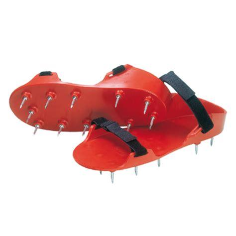 scarpe chiodate per giardino scarpe chiodate per applicazione pavimenti in resina