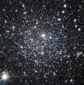 Stars Glitter Like Diamonds in Spectacular Hubble ...