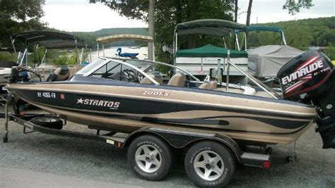 Stratos Boat Seats For Sale by Stratos Fish And Ski Boats For Sale