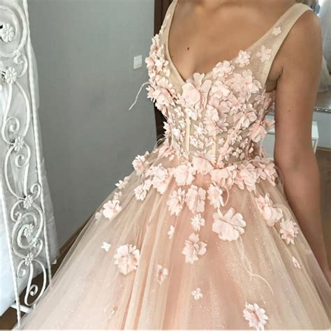 V Neck Tulle Ball Gown Floor Length Wedding Dresses With