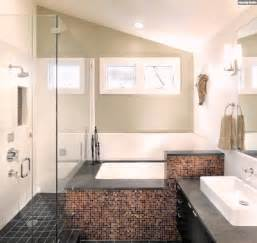 ideen badezimmer mit dachschräge terakotta fliesen - Badezimmer Ideen Fliesen