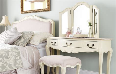 shabby chic sofas uk awesome shabby chic bedroom furniture uk greenvirals style