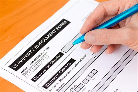 College Application Advice: 5 Things High School Seniors