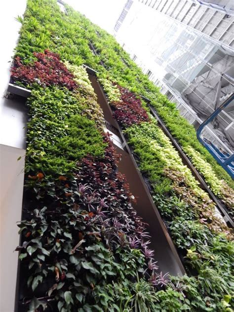 Singapore Vertical Garden by The Heeren Mall In Singapore By Kienta Vertical