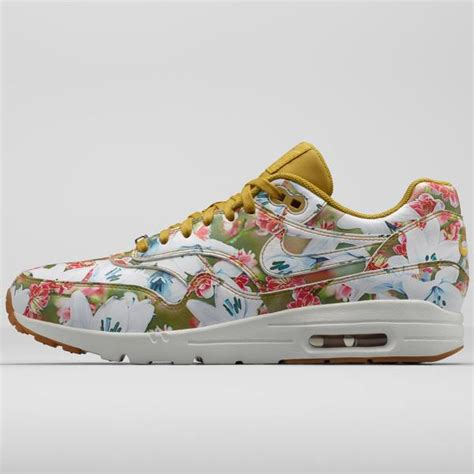 si鑒e social air sneakers le nike air max 1 si dedicano ai fiori amica