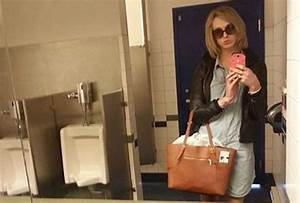 transgender woman posts mens room selfies to protest With transgenders using bathrooms
