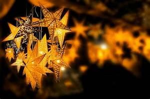 Laterne Dekorieren Lichterkette : 40 ideen f r deko mit lichterketten zum weihnachten ~ Watch28wear.com Haus und Dekorationen