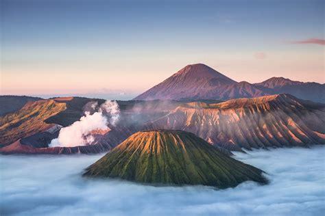 paket wisata bromo midnight gunung bromo pesona indonesia